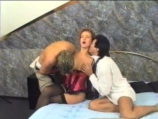 Jeanny Bee – (Makol) – Cascade 4: Total Versaut – Na Und!