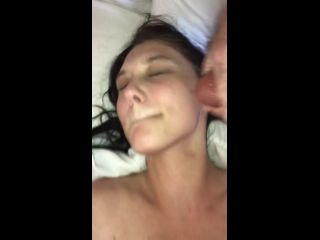 Amateur girl facial and sex - threesome