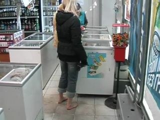 Bare Feet In The City Video - Katya And Kristina 2006-03-06