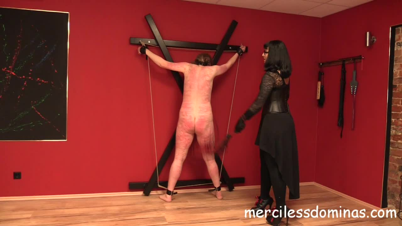 Berlin - Merciless Dominas - Herrin Bestrafungs New Slave - The Back on femdom porn amateur vagina - k2s.tv