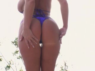 Matures and MILFs in anal scenes