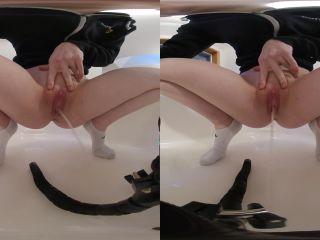 – Peeing in 180 3D VR – $3.99