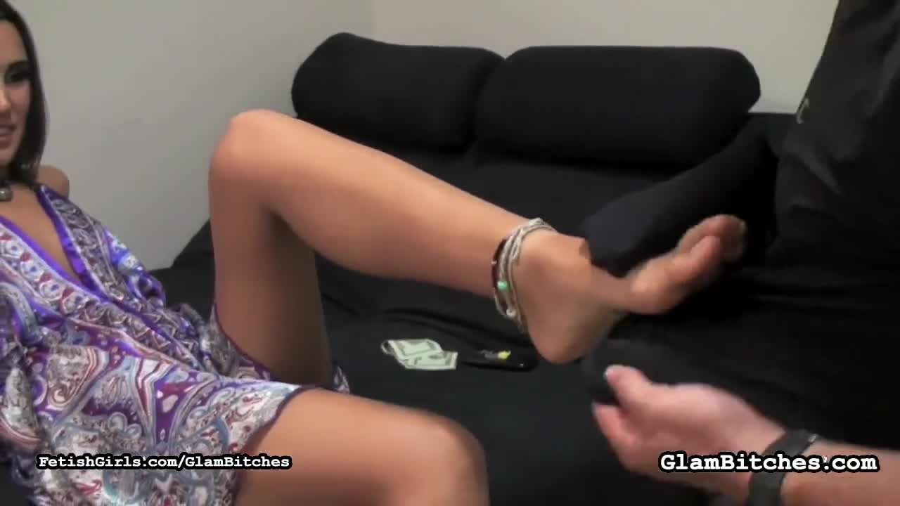 Feet Worship Toe Sucking