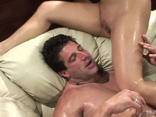 Guy Eats Pussy And Gets Squirt While Receiving Blowjob