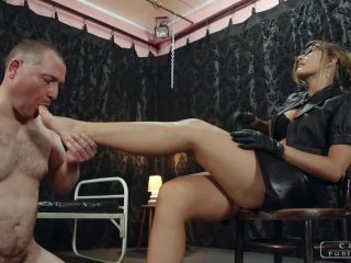 Leather – CRUEL PUNISHMENTS – SEVERE FEMDOM – Her sensitive feet – Mistress Bloodymary