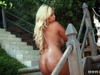 Kelly Divine & Phoenix Marie & Bridgette B (Full HD)