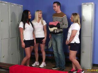 Porn online Pure CFNM – Drop On Three