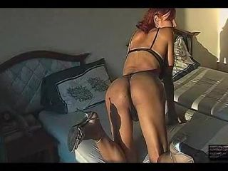 Online shemale video Sexy Redhead Fon Strokes!