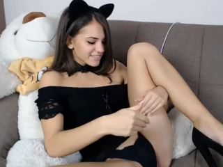 Beautiful cat ear camgirl touching herself and using glass dildo.