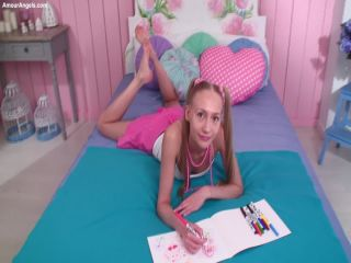 AmourAngels presents GIRLISH ROOM