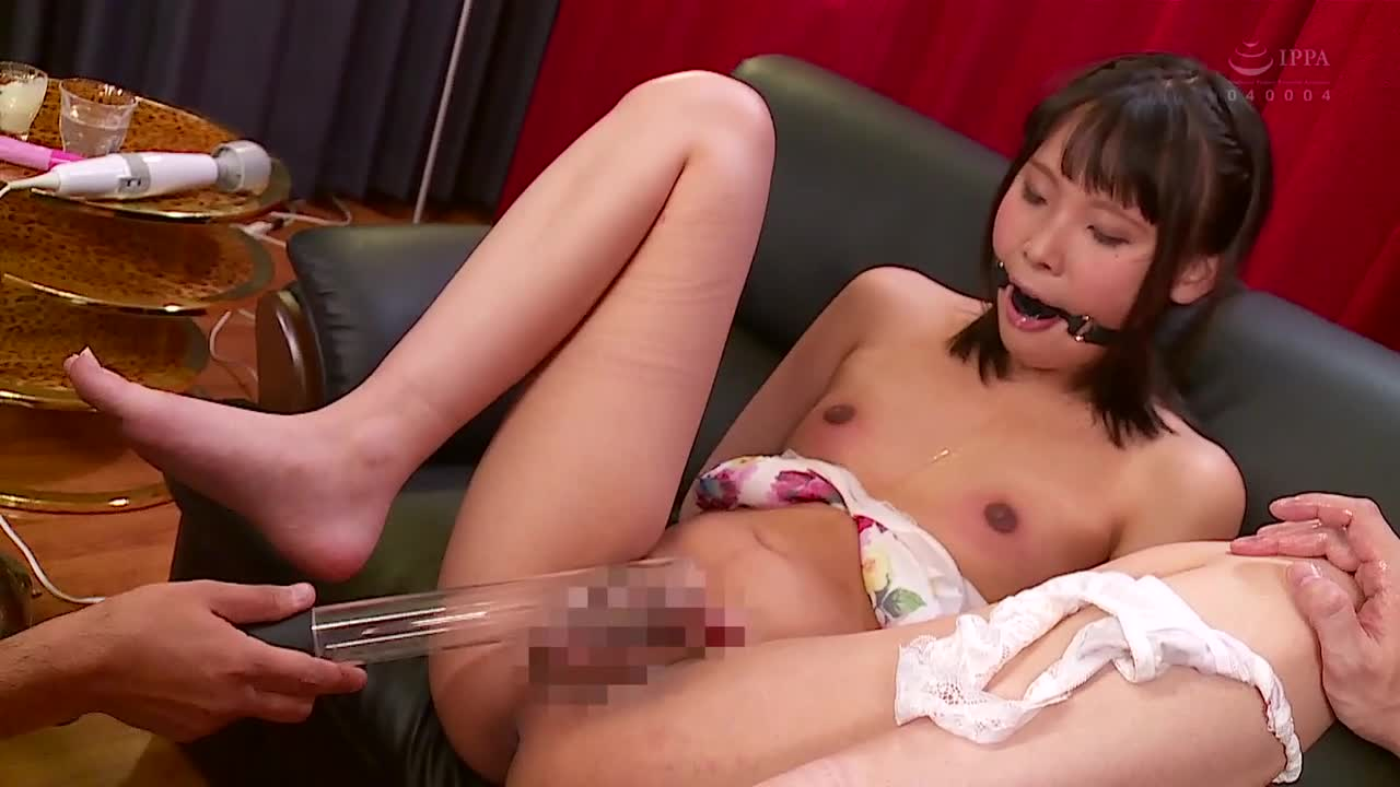 Sexy Asian Lesbian Wrestling