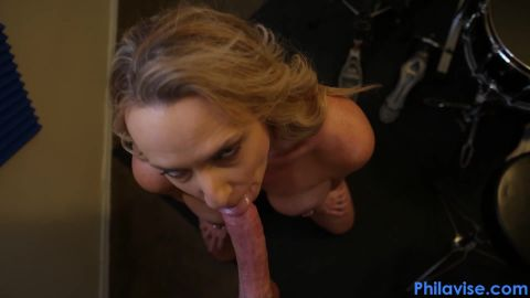 2Kenzi Foxx - My Step-Mom Blew Me In The Drum Room [FullHD 1080P]