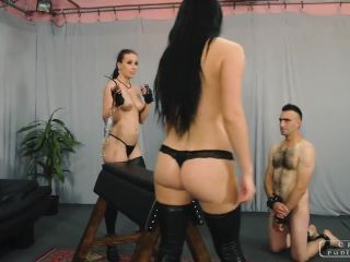 Porn tube Anette&Kittana Kinky Girls Play 1,2,3