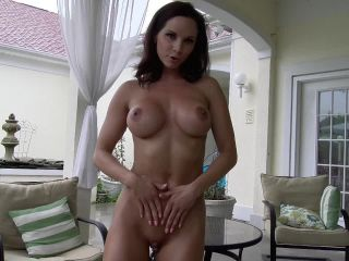 Bratty Ashley Sinclair and Friends – Fit Show Off Abs