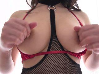 Valentina Nappi (Valentina Nappi POV, All Naturly Italian Beauty Has Her Ass Probed)