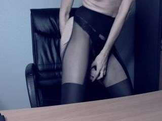 The Conslutation. Pay Lele to fuck her in her office. Watch her cum for you