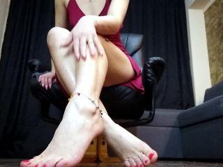 Barefoot – moneygoddessscc – Feet Addiction – Jewelry