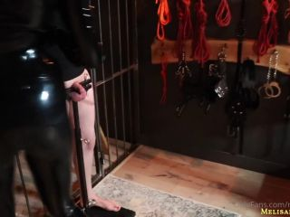 Melisande Sin – Playing with a cane on my slave s balls – Latex mistress want see how pain your balls