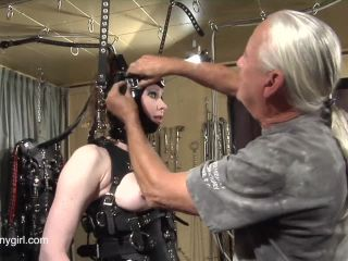 Latex Porn – 8191 – On The Sybian Jg-Leathers 2