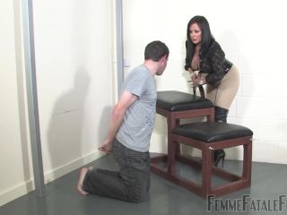 FemmeFataleFilms – Face Sitting – Lazy Scumbag