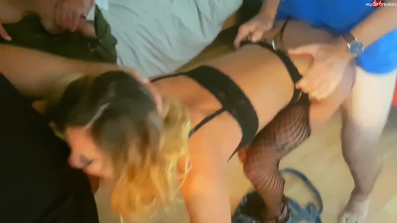 Little Sister Loves Anal