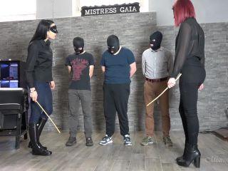 Ass Spreading – MISTRESS GAIA – STRIP SEARCH