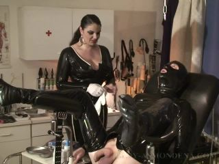 His First Session with Lady Asmondena 2