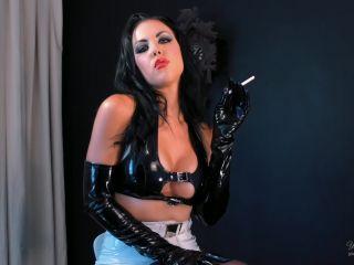 young goddess kim: smoking cum control