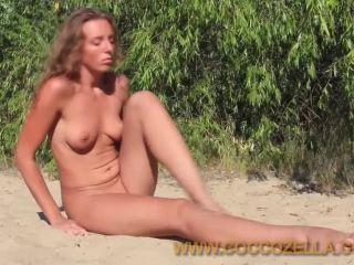 kirbon-kiev-beach-beauty-clip2