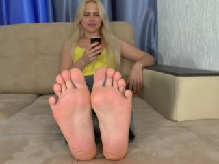 bdsm fetish feet   Toes pointing – Lindsey   toes pointing
