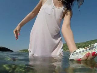 Pissing – teenpee 5 – Giantess crush and piss on ship