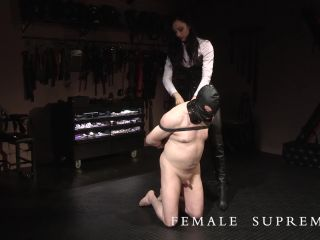 Bootlicking – Female Supremacy – Fair Game – Lady Mephista