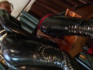 Schlagendegirls - Lady Cynthia - Bizarre humiliation Part 1-4