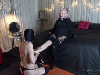 Miss Kim Rub - Foot Worship And Massage [HD 720P] - Screenshot 4