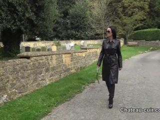 Chateau-Cuir – My personal leather slave   online   porn video
