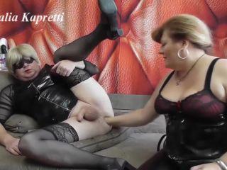 Fuck slave fist and foot morning piss [FullHD 1080P] - Screenshot 1
