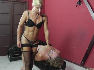 Blond – CRUEL MISTRESSES – Comfortable position – Mistress Zita