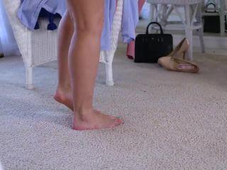 Love Her Feet – Ryan Keely