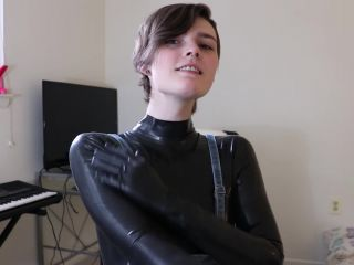 Ohboybibs – Latex Striptease with Multiple Orgasms