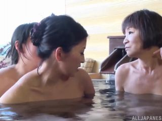 Awesome Sexy mature babes in a wild threesome lesbian action Video Onl ...