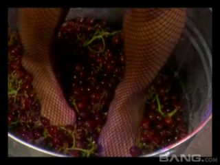 Busty Hollywood Starlets 4 Scene 2