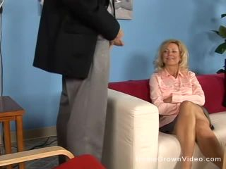 Blonde Housewife Katie Spreads For Dick's Dick  Sun, Nov 19, 2017 12:00 AM