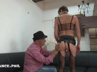 Lafranceapoil_com - Short haired Clara and her small tits discovers the double penetration