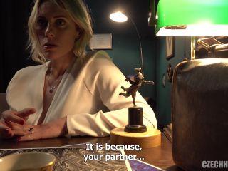 Mrs. Sona aka Brittany Bardot fisting to prolapse hard