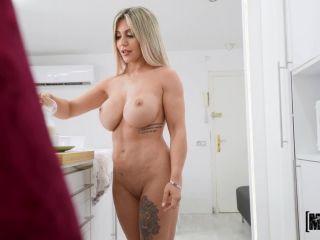 Amy Amor & Carla Boom – Bad Roomie