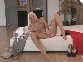Blanche Bradburry (Blanche Bradburry Gives Dp Opportunity To Fiancee And His Boss / 2017-12-21)
