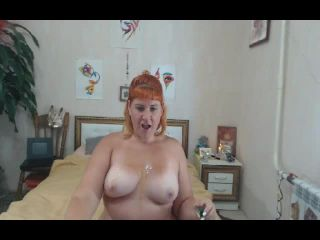 Fat chick dancing on a dare in oil naked