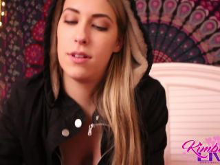 Kimber Lee Live – Cure For Being Cold And Horny