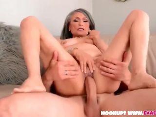 Granny sucks and fuck stud