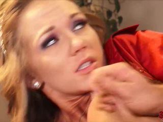 Nikki Sexx Takes Dictation